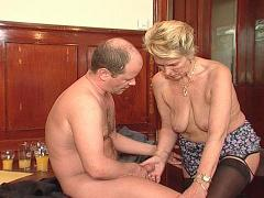 Mature Beauty Finds A New Throbbing Love-tool