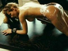 Celebrity Babe Elsa Pataky Fully Naked And Wrapped With Clin...