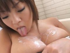 Hitomi Tanaka Asian Sits In Bath Tub And Erotically Licked Banana