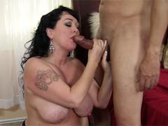 Fat Mature Couple In A Piping Hot Blowjob Scene