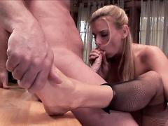 Sultry Blonde Milf Darryl Hanah Sucking Off A Cock And Enjoy...