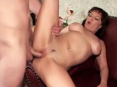 Watch Big Titted Pornstar Queeny Live In This Clip Getting D...