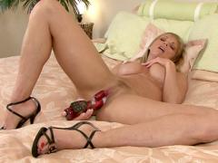 Gorgeous Milf Shayla Laveaux Masturbates With The Rabbit