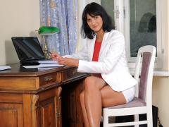 Leggy Anilos Chelsea Takes Offf Her Business Attire In The O...