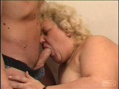 Young Guy Exchanges Oral Favors With Chubby Mama