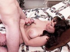 Horny Queeny Getting Fucked Enticing A Guy With Her Nice Rou...