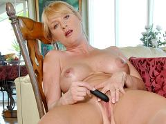 Anilos Bethany Sweet Makes Her Pussy Cum With A Mini Vibe